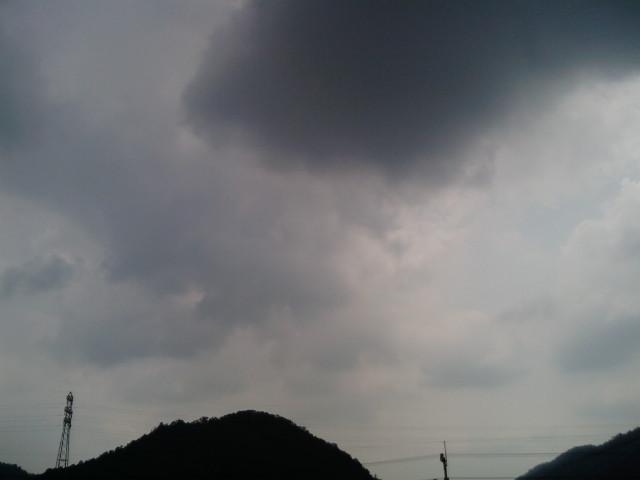 雲行き怪しく